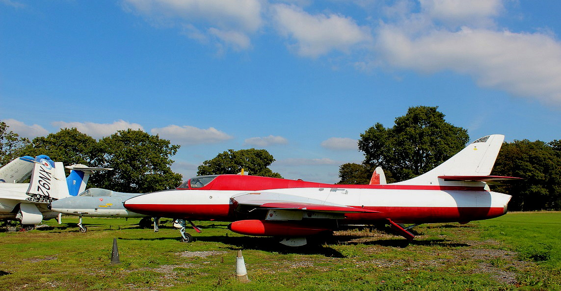 Hawker Hunter T.7 (XL591)