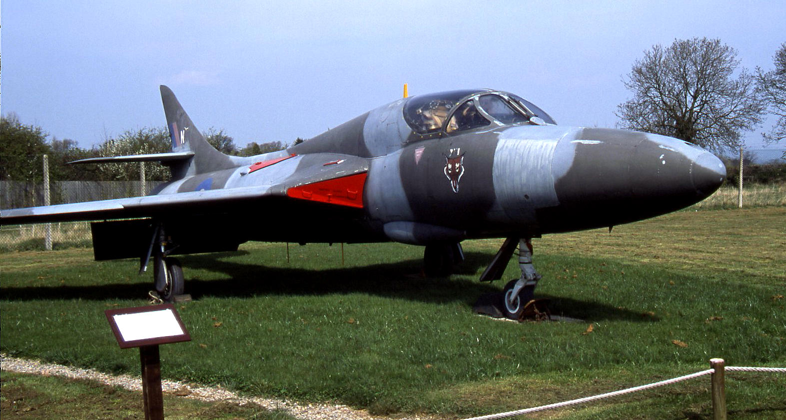 Hawker Hunter T.7, XL569