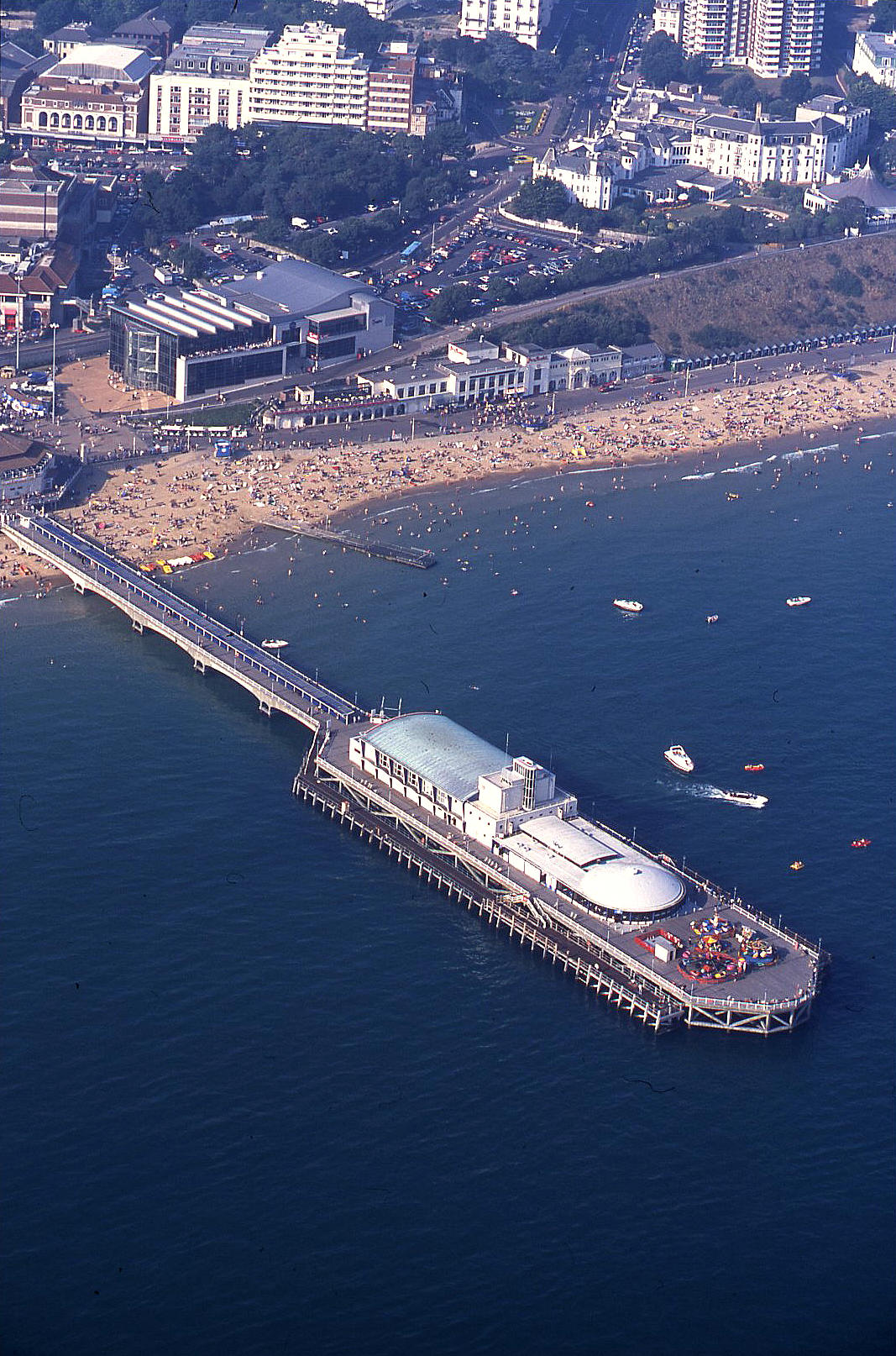 Bournemouth pier in 2001
