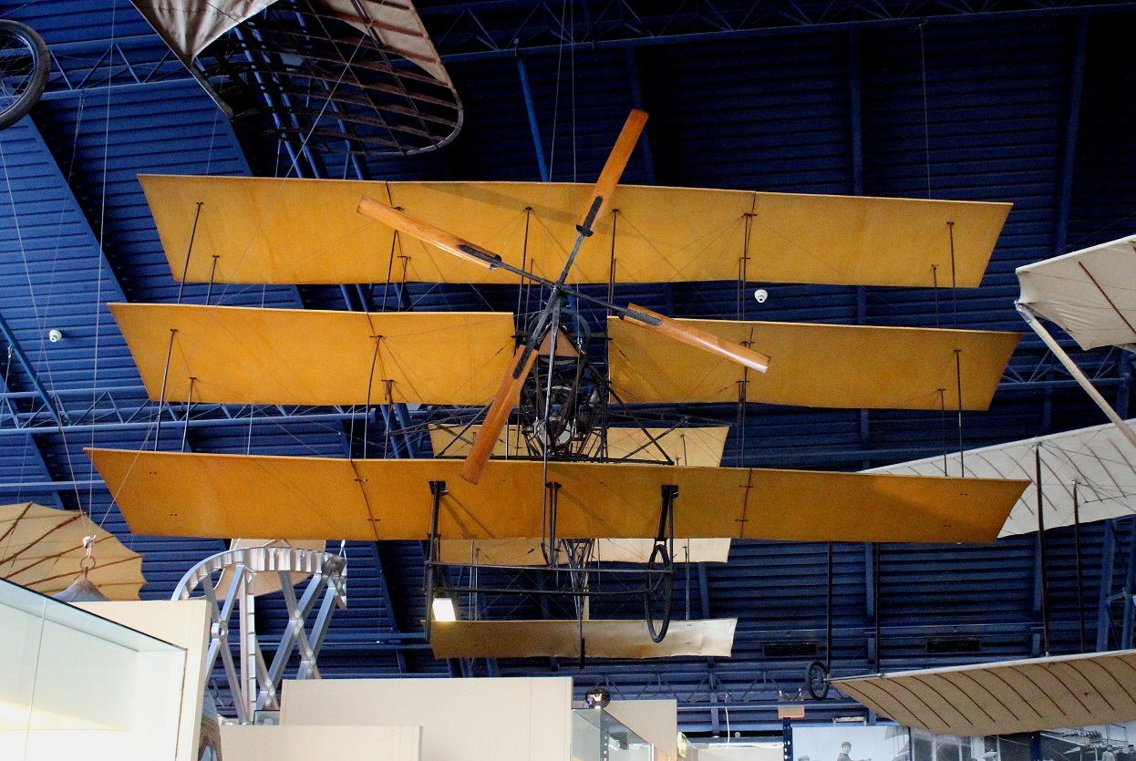The Roe (Avro) 1909 triplane replica