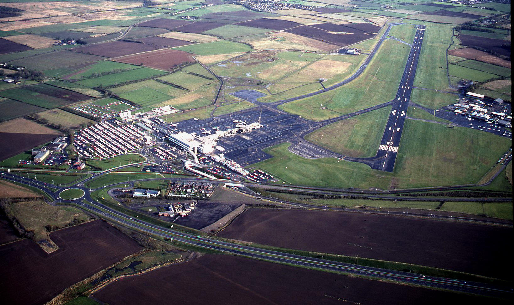 newcastle airport - photo #44